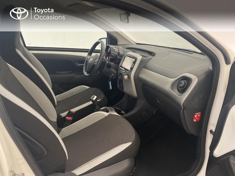 Photo 6 de l'offre de TOYOTA Aygo 1.0 VVT-i 69ch x-play 5p à 9480€ chez Brest Automobiles - Toyota Brest