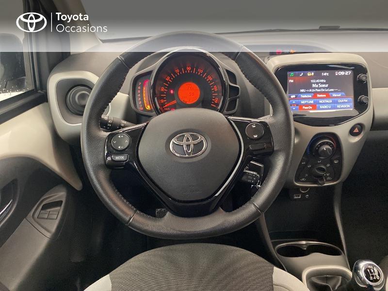 Photo 9 de l'offre de TOYOTA Aygo 1.0 VVT-i 69ch x-play 5p à 9480€ chez Brest Automobiles - Toyota Brest