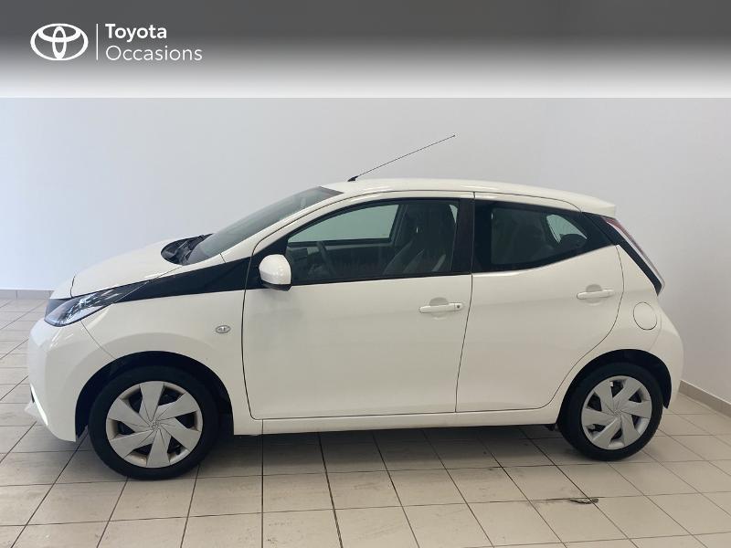 Photo 3 de l'offre de TOYOTA Aygo 1.0 VVT-i 69ch x-play 5p à 9480€ chez Brest Automobiles - Toyota Brest