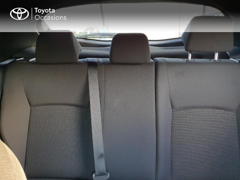Photo 20 de l'offre de TOYOTA C-HR 122h Edition 2WD E-CVT RC18 à 21480€ chez Cap Ouest Auto - Toyota Morlaix
