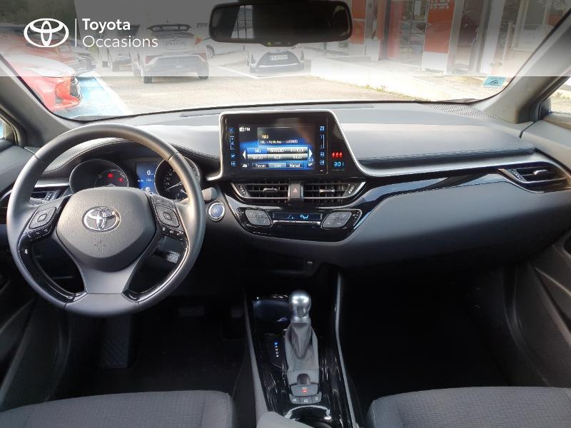 Photo 5 de l'offre de TOYOTA C-HR 122h Edition 2WD E-CVT RC18 à 21480€ chez Cap Ouest Auto - Toyota Morlaix