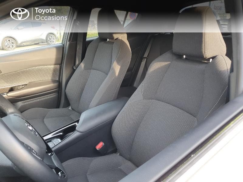 Photo 13 de l'offre de TOYOTA C-HR 122h Edition 2WD E-CVT RC18 à 21980€ chez Cap Ouest Auto - Toyota Morlaix