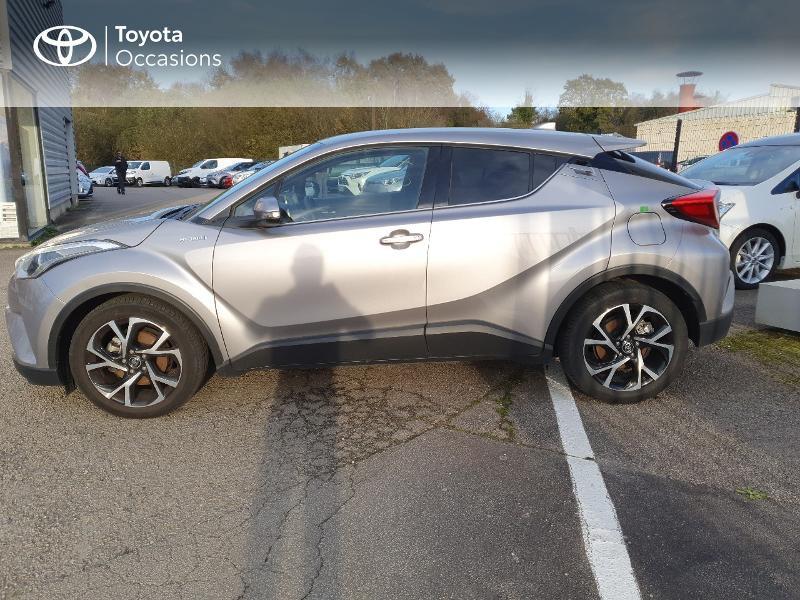 Photo 3 de l'offre de TOYOTA C-HR 122h Edition 2WD E-CVT RC18 à 21580€ chez Cap Ouest Auto - Toyota Morlaix
