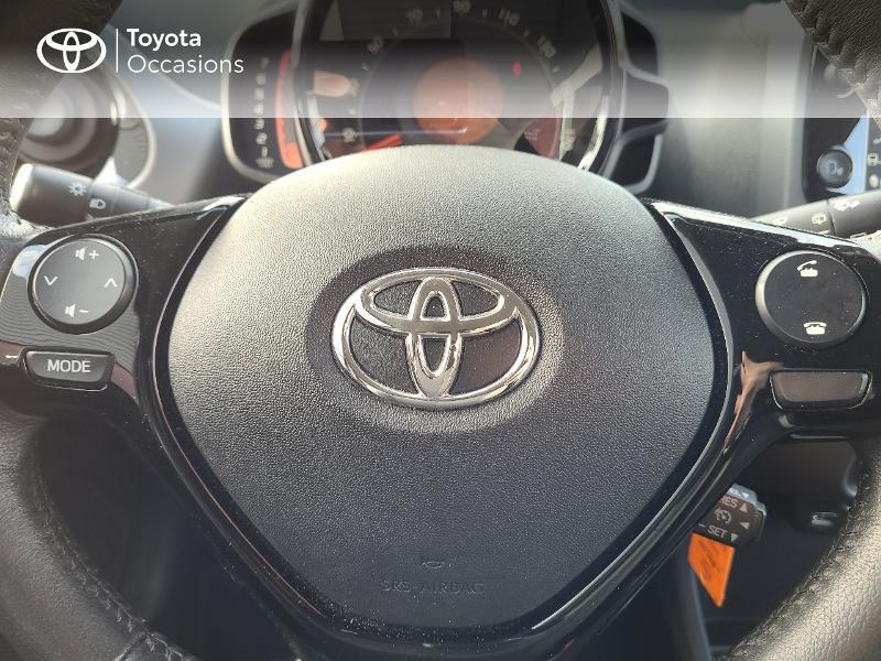 Photo 13 de l'offre de TOYOTA Aygo 1.0 VVT-i 72ch x-play x-app 5p MC18 à 9780€ chez Cap Ouest Auto - Toyota Morlaix