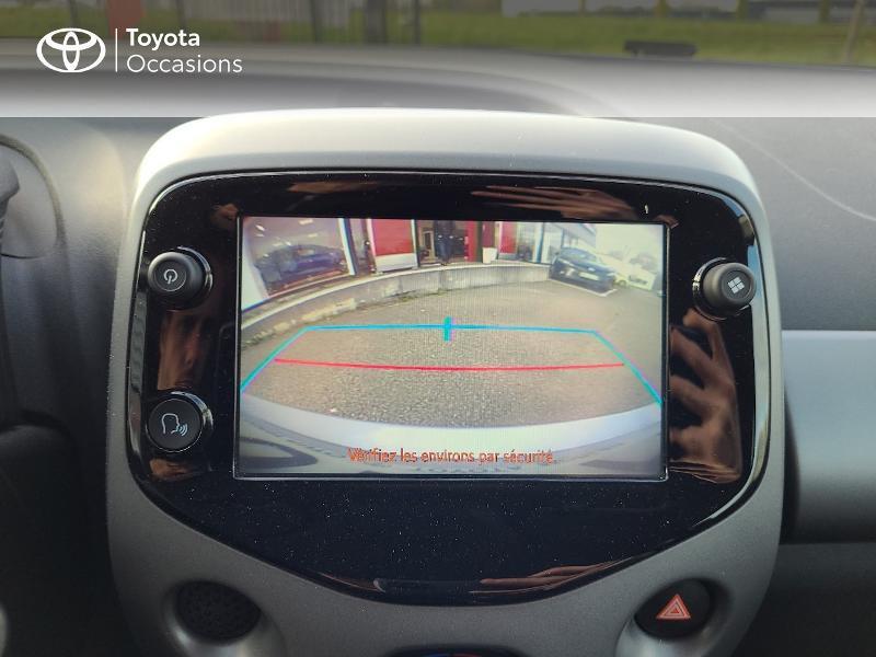Photo 19 de l'offre de TOYOTA Aygo 1.0 VVT-i 72ch x-play x-app 5p MC18 à 9780€ chez Cap Ouest Auto - Toyota Morlaix