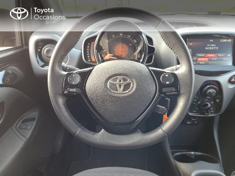 Photo 9 de l'offre de TOYOTA Aygo 1.0 VVT-i 72ch x-play x-app 5p MC18 à 9780€ chez Cap Ouest Auto - Toyota Morlaix