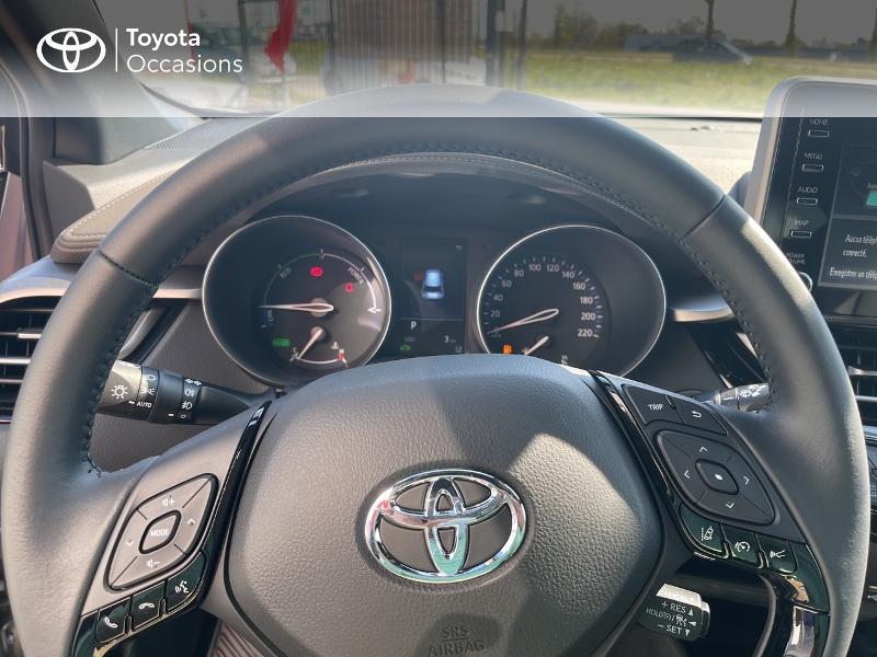 Photo 13 de l'offre de TOYOTA C-HR 184h Distinctive 2WD E-CVT MY20 à 31480€ chez Cap Ouest Auto - Toyota Morlaix