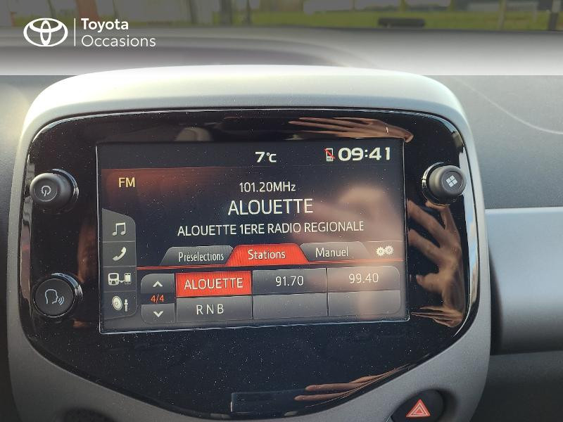 Photo 18 de l'offre de TOYOTA Aygo 1.0 VVT-i 72ch x-play x-app 5p MC18 à 9780€ chez Cap Ouest Auto - Toyota Morlaix