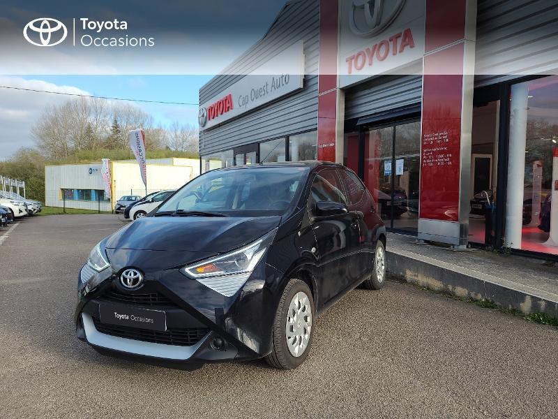 Photo 1 de l'offre de TOYOTA Aygo 1.0 VVT-i 72ch x-play x-app 5p MC18 à 9780€ chez Cap Ouest Auto - Toyota Morlaix