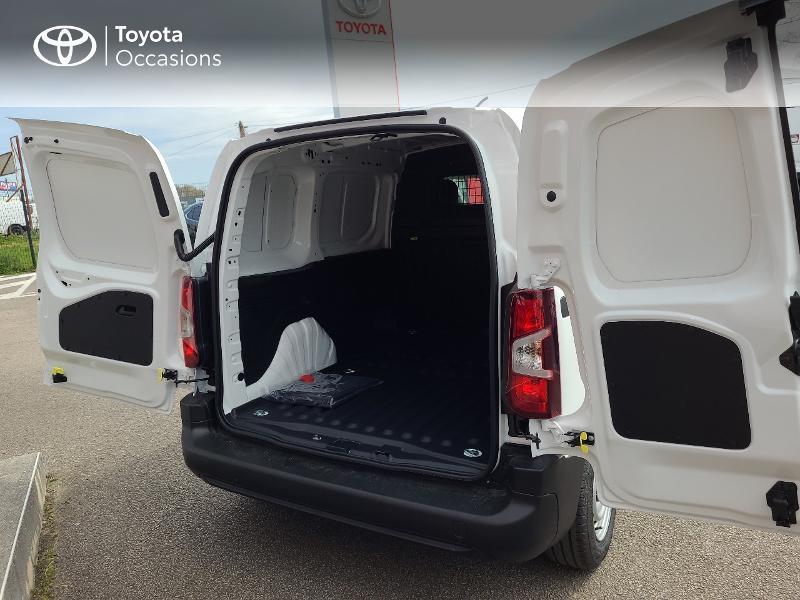 Photo 11 de l'offre de TOYOTA PROACE CITY Medium 100 D-4D Dynamic RC21 à 16480€ chez Cap Ouest Auto - Toyota Morlaix