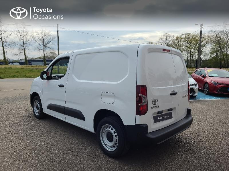 Photo 2 de l'offre de TOYOTA PROACE CITY Medium 100 D-4D Dynamic RC21 à 16480€ chez Cap Ouest Auto - Toyota Morlaix