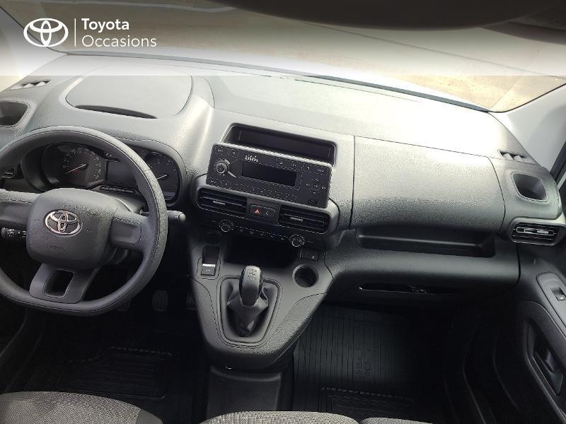 Photo 8 de l'offre de TOYOTA PROACE CITY Medium 100 D-4D Dynamic RC21 à 16480€ chez Cap Ouest Auto - Toyota Morlaix