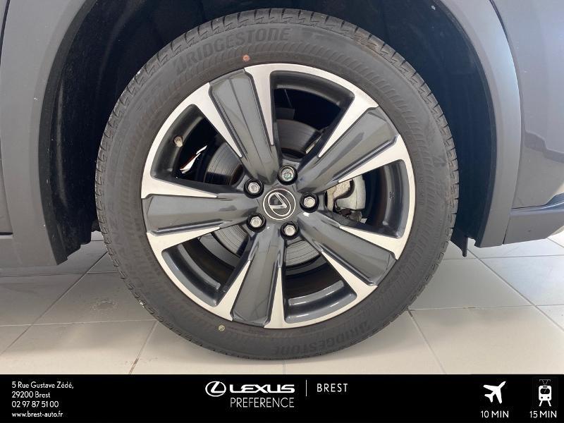 Photo 4 de l'offre de LEXUS UX 250h 4WD Executive à 37990€ chez Cap Ouest Auto - Toyota Morlaix