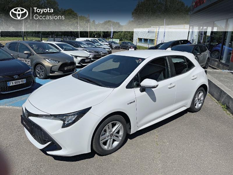 Photo 1 de l'offre de TOYOTA Corolla 122h Dynamic MY20 à 23580€ chez Cap Ouest Auto - Toyota Morlaix