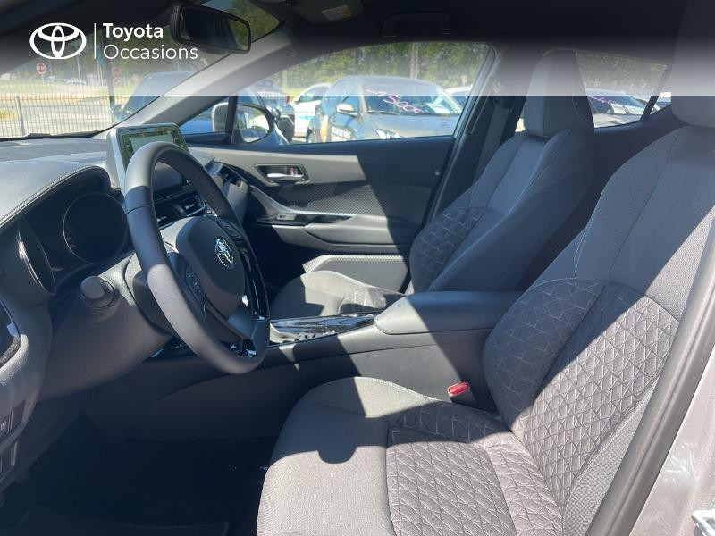Photo 11 de l'offre de TOYOTA C-HR 122h Edition 2WD E-CVT MY20 à 26980€ chez Cap Ouest Auto - Toyota Morlaix