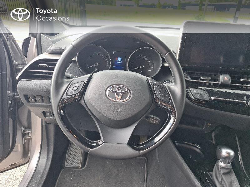 Photo 9 de l'offre de TOYOTA C-HR 122h Design 2WD E-CVT RC18 à 21480€ chez Cap Ouest Auto - Toyota Morlaix