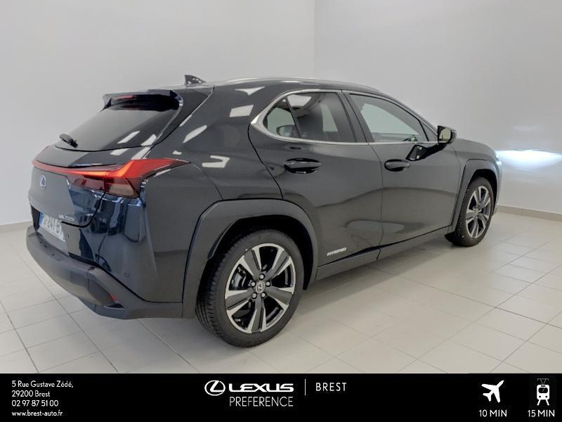 Photo 16 de l'offre de LEXUS UX 250h 4WD Executive à 37990€ chez Cap Ouest Auto - Toyota Morlaix