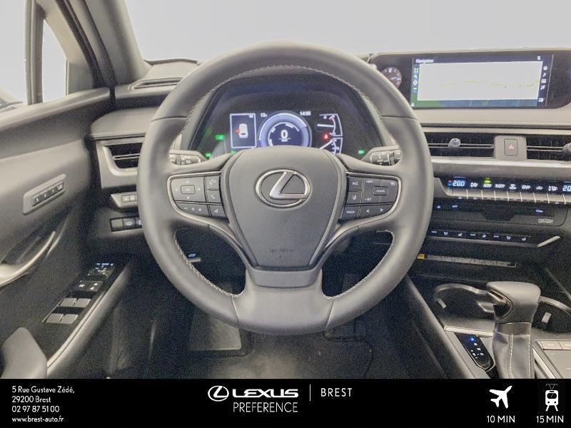 Photo 6 de l'offre de LEXUS UX 250h 4WD Executive à 37990€ chez Cap Ouest Auto - Toyota Morlaix