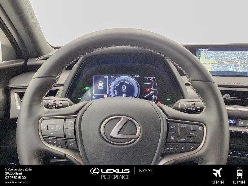 Photo 8 de l'offre de LEXUS UX 250h 4WD Executive à 37990€ chez Cap Ouest Auto - Toyota Morlaix