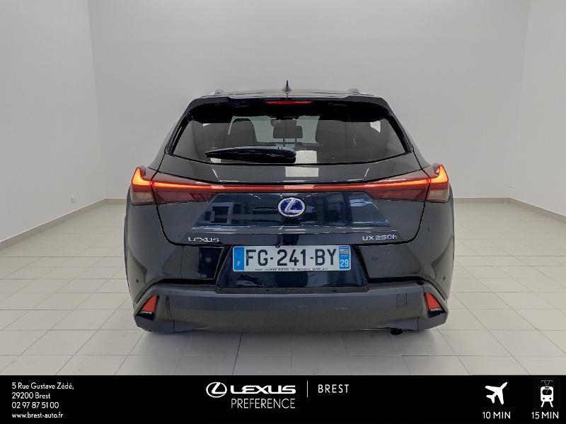 Photo 18 de l'offre de LEXUS UX 250h 4WD Executive à 37990€ chez Cap Ouest Auto - Toyota Morlaix