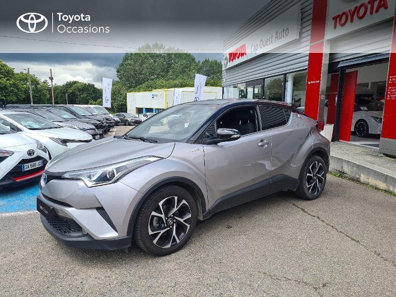 Photo 1 de l'offre de TOYOTA C-HR 122h Design 2WD E-CVT RC18 à 21480€ chez Cap Ouest Auto - Toyota Morlaix