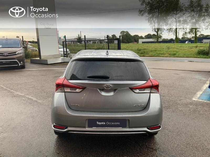 Photo 4 de l'offre de TOYOTA Auris 1.2T 116 Design à 10980€ chez Cap Ouest Auto - Toyota Morlaix
