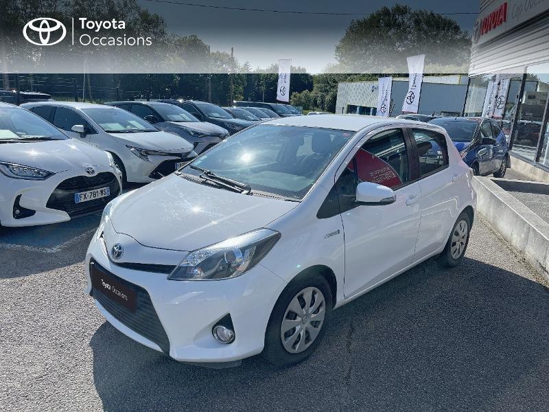 Photo 1 de l'offre de TOYOTA Yaris HSD 100h Dynamic 5p à 12480€ chez Cap Ouest Auto - Toyota Morlaix