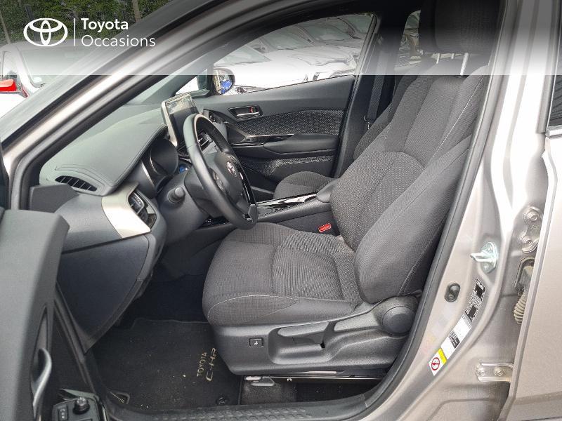 Photo 11 de l'offre de TOYOTA C-HR 122h Design 2WD E-CVT RC18 à 21480€ chez Cap Ouest Auto - Toyota Morlaix