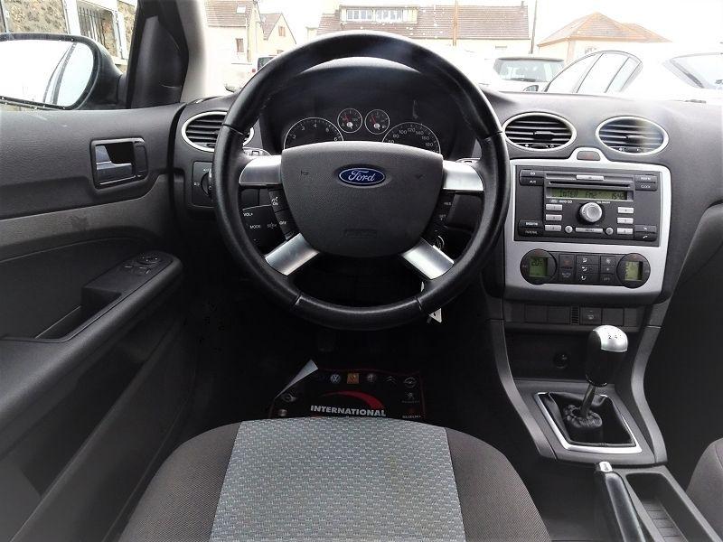 Photo 9 de l'offre de FORD FOCUS SW 1.6 TI-VCT 115CH TREND à 4790€ chez International Auto Auneau