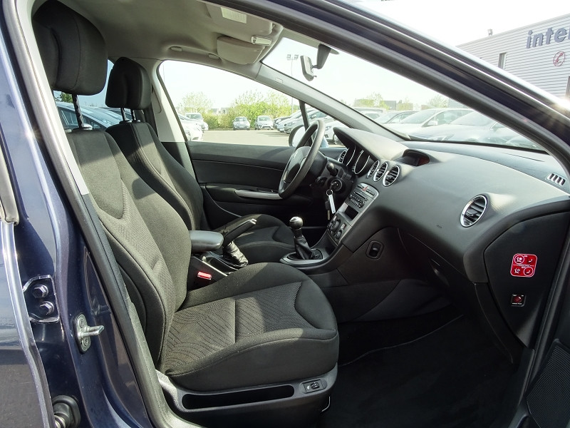 Photo 9 de l'offre de PEUGEOT 308 SW 1.6 VTI 16V CONFORT à 5790€ chez International Auto Auneau