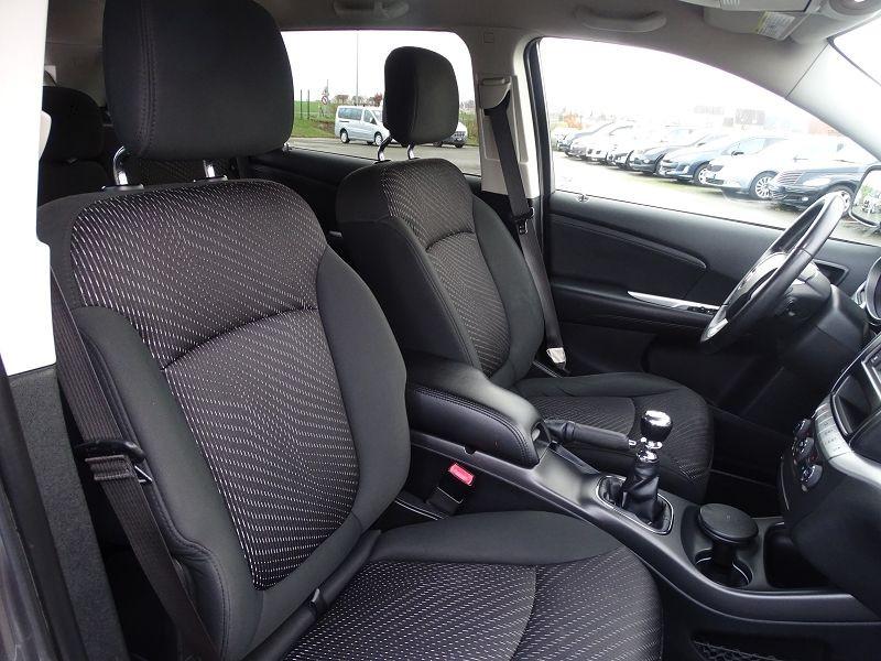 Photo 4 de l'offre de FIAT FREEMONT 2.0 MULTIJET 16V 140CH URBAN à 10790€ chez International Auto Auneau