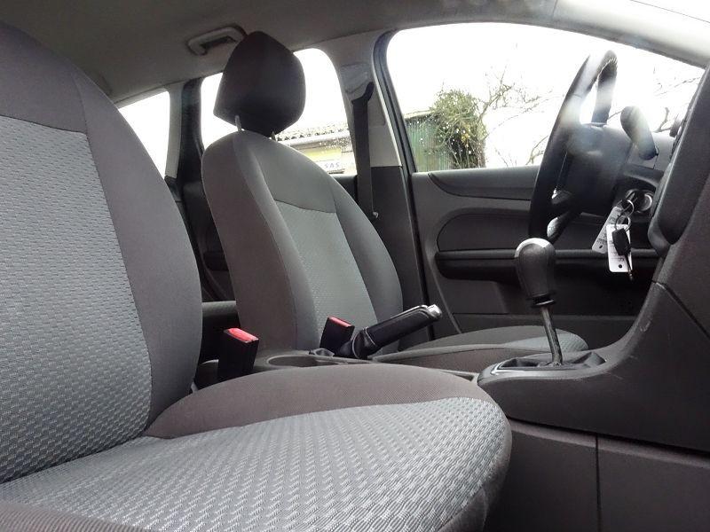 Photo 7 de l'offre de FORD FOCUS SW 1.6 TI-VCT 115CH TREND à 4790€ chez International Auto Auneau