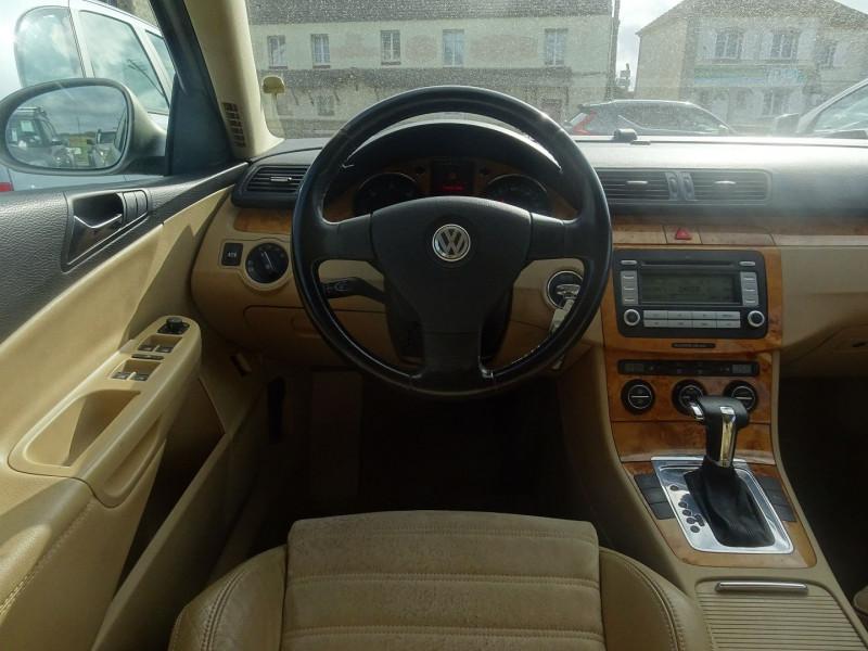 Photo 5 de l'offre de VOLKSWAGEN PASSAT SW 2.0 TDI 170CH DPF CARAT DSG6 à 7790€ chez International Auto Auneau