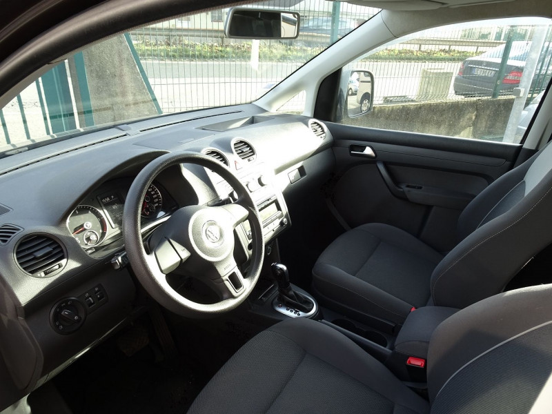 Photo 9 de l'offre de VOLKSWAGEN CADDY MAXI 1.6 TDI 102CH FAP TRENDLINE DSG7 à 12990€ chez International Auto Auneau