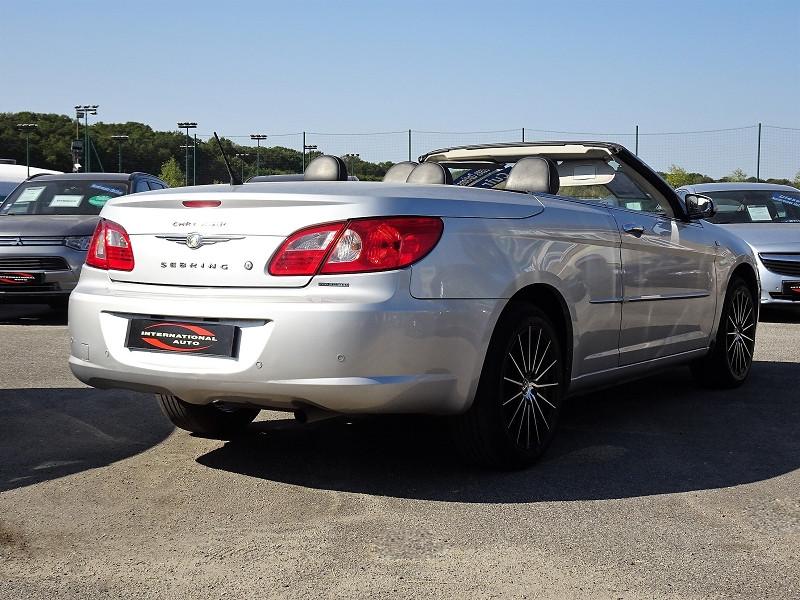 Photo 2 de l'offre de CHRYSLER SEBRING CABRIOLET 2.0 CRD LIMITED TOIT RIGIDE à 8690€ chez International Auto Auneau