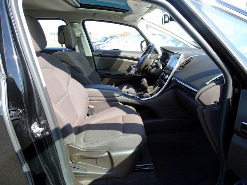 Photo 19 de l'offre de RENAULT ESPACE V 1.6 DCI 130CH ENERGY LIFE à 14690€ chez International Auto Auneau