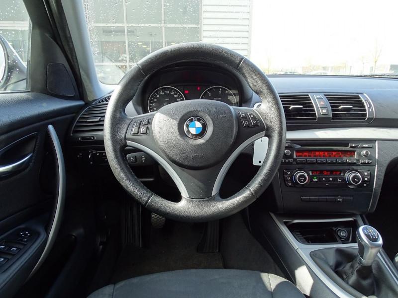 Photo 10 de l'offre de BMW SERIE 1 (E81/E87) 118D 143CH CONFORT 5P à 8790€ chez International Auto Auneau
