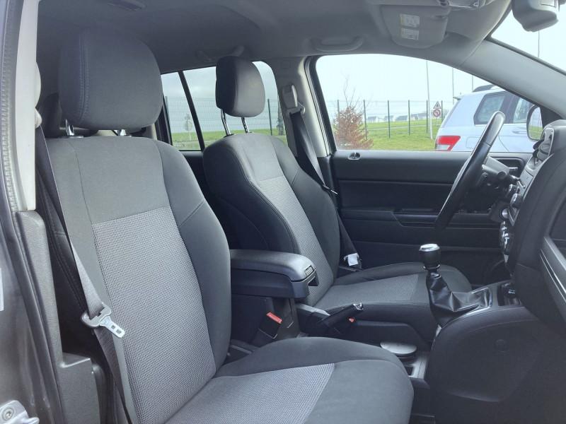 Photo 11 de l'offre de JEEP COMPASS 2.2 CRD 163 FAP SPORT 4X4 à 9890€ chez International Auto Auneau