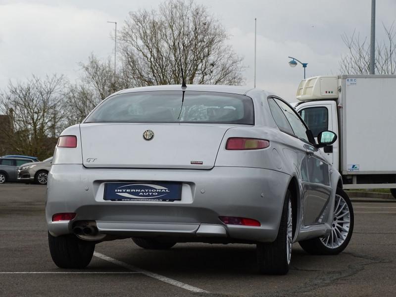 Photo 2 de l'offre de ALFA ROMEO GT 1.9 JTD150 MULTIJET SELECTIVE à 7790€ chez International Auto Auneau