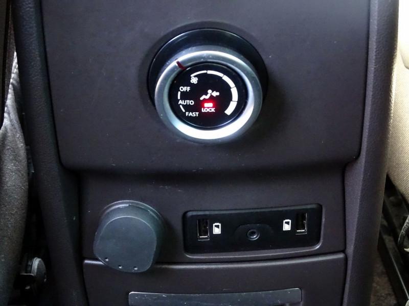 Photo 10 de l'offre de RENAULT ESPACE V 1.6 DCI 130CH ENERGY LIFE à 14690€ chez International Auto Auneau