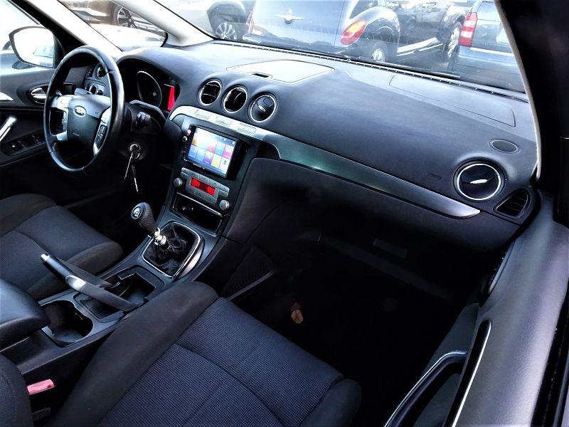 Photo 13 de l'offre de FORD S-MAX 2.0 TDCI 140CH TITANIUM à 6690€ chez International Auto Auneau