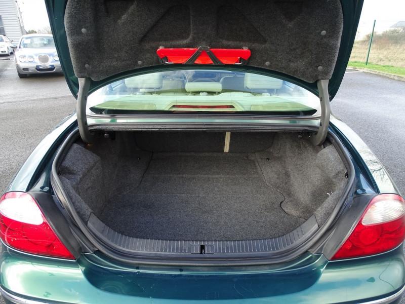 Photo 10 de l'offre de JAGUAR S-TYPE 2.7D BI-TURBO CLASSIQUE BA à 7890€ chez International Auto Auneau