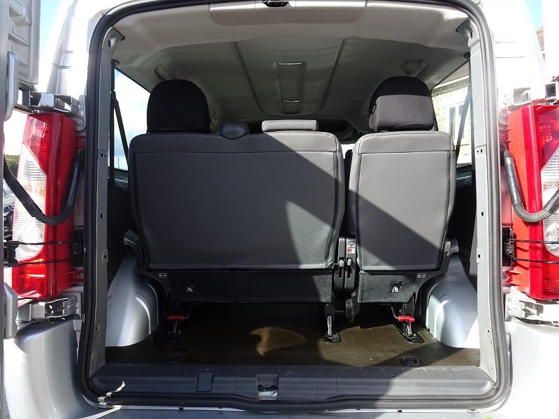 Photo 11 de l'offre de FIAT SCUDO PANORAMA CH1 1.6 MULTIJET 16V 8/9 PLACES à 11990€ chez International Auto Auneau
