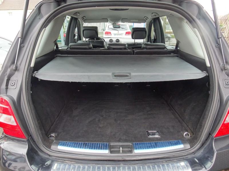 Photo 8 de l'offre de MERCEDES-BENZ CLASSE ML (W164) 280 CDI PACK LUXE à 10590€ chez International Auto Auneau