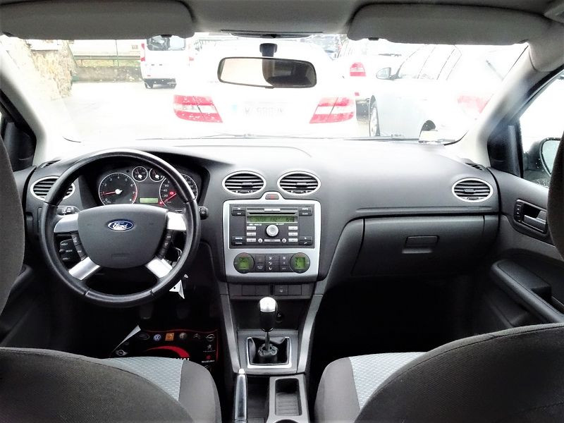 Photo 11 de l'offre de FORD FOCUS SW 1.6 TI-VCT 115CH TREND à 4790€ chez International Auto Auneau