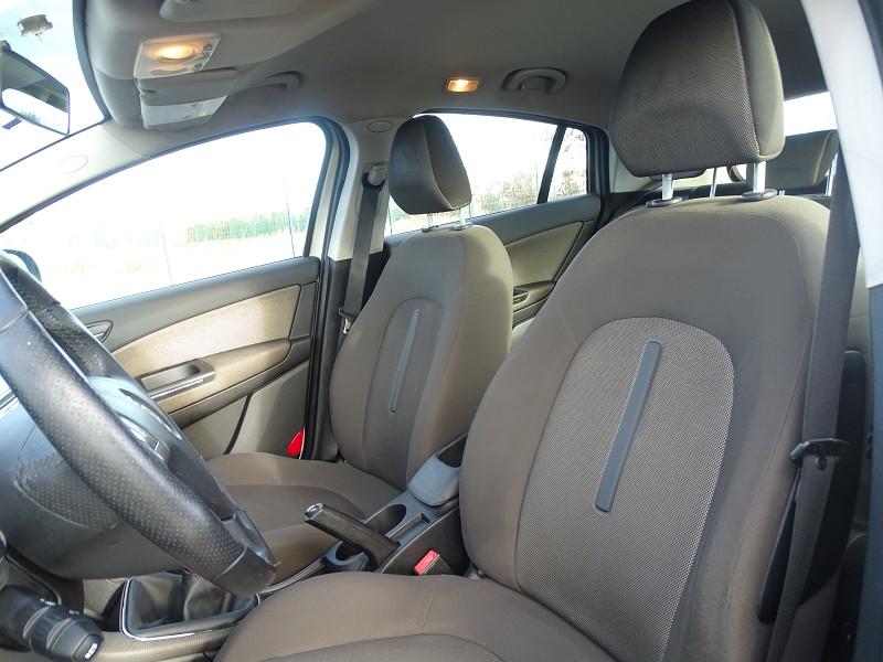 Photo 4 de l'offre de FIAT BRAVO 1.9 MULTIJET 8V 120CH DYNAMIC à 4990€ chez International Auto Auneau