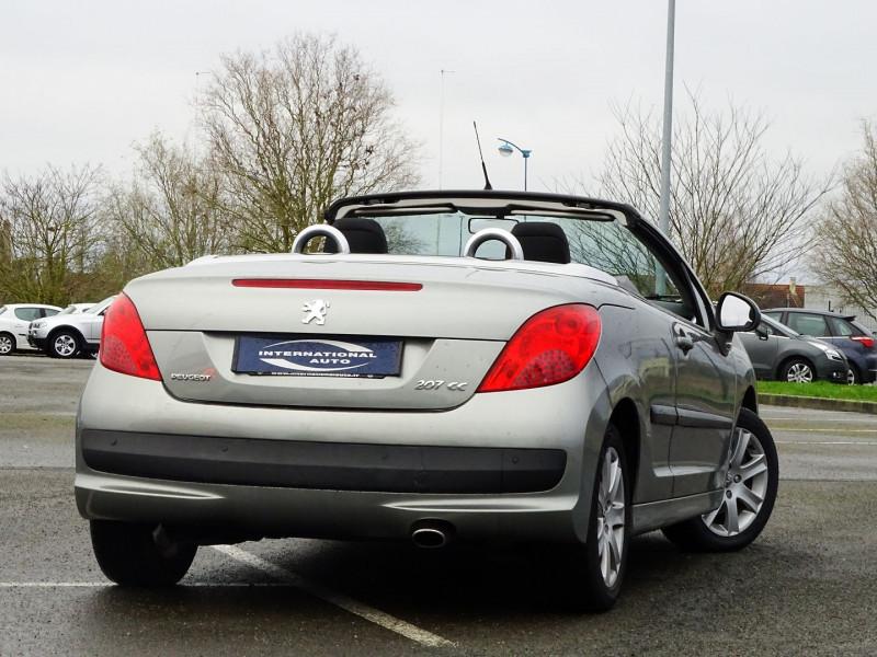 Photo 2 de l'offre de PEUGEOT 207 CC 1.6 VTI 16V SPORT à 5990€ chez International Auto Auneau
