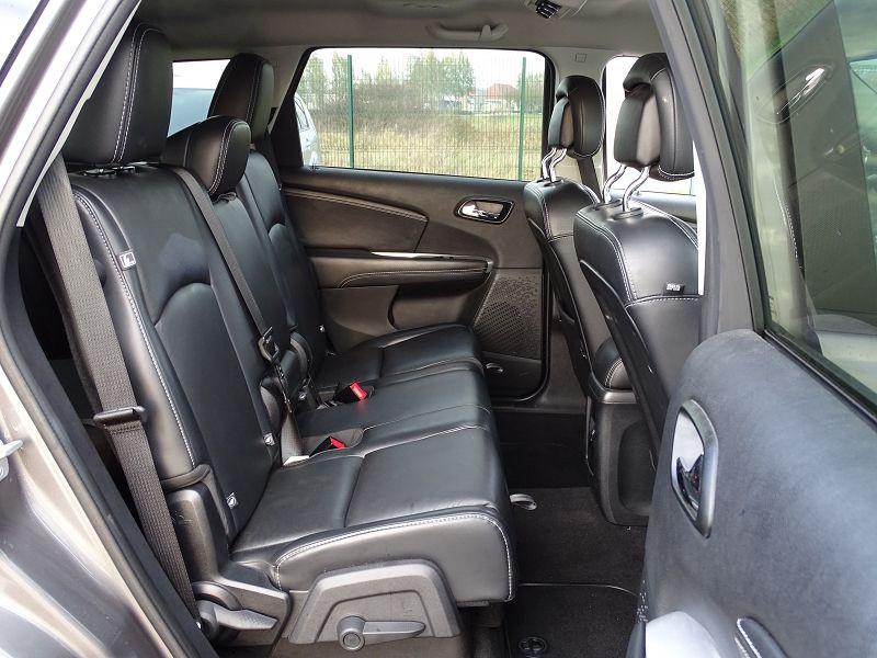 Photo 15 de l'offre de FIAT FREEMONT 2.0 MULTIJET 16V 170CH LOUNGE AWD BVA à 14990€ chez International Auto Auneau
