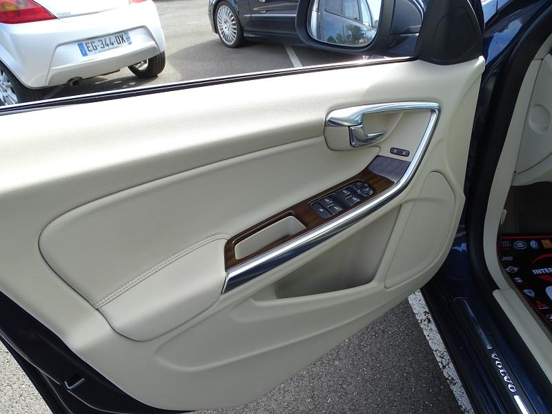 Photo 13 de l'offre de VOLVO S60 D2 115CH START&STOP MOMENTUM POWERSHIFT à 9690€ chez International Auto Auneau