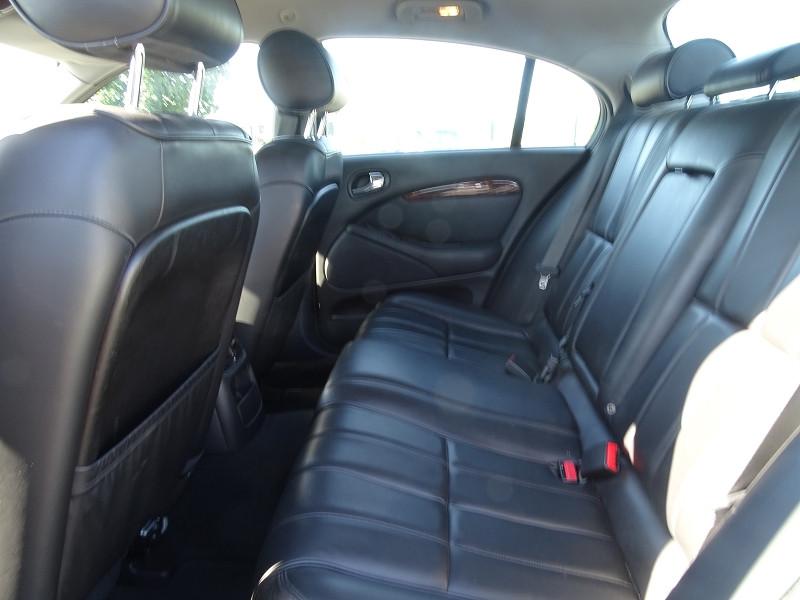 Photo 9 de l'offre de JAGUAR S-TYPE 2.7D BI-TURBO SPORT à 8690€ chez International Auto Auneau